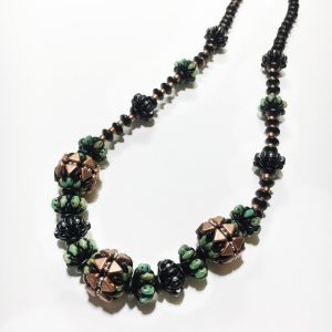 Kheops 24 inch beaded bead necklace