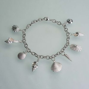 seashell-charm-bracelet-polished03
